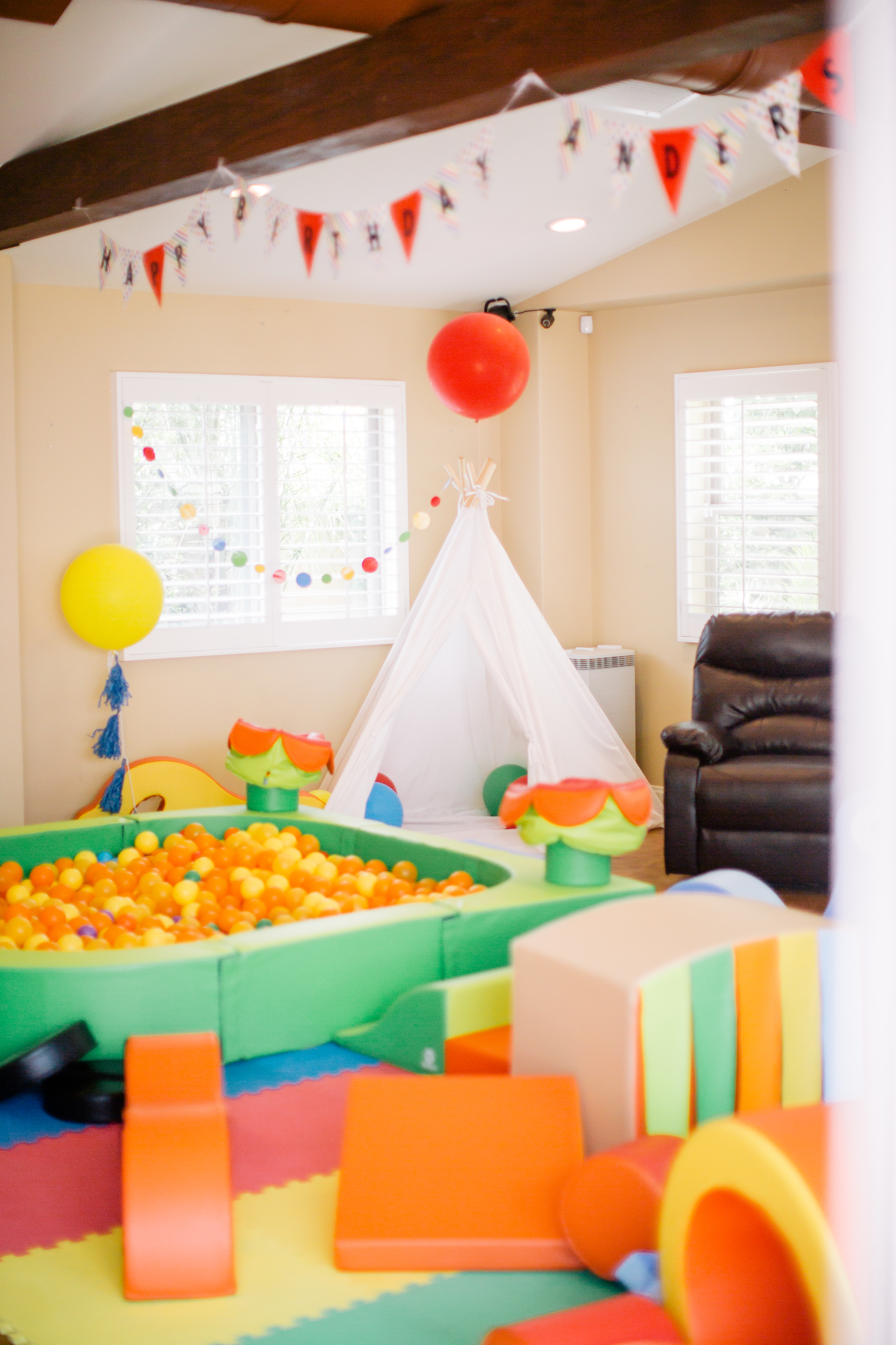 The Bright Colors Definitely Fit Theme Of Party Beautifully Kids LOVED This It Can Be Set Up Indoors Or Out
